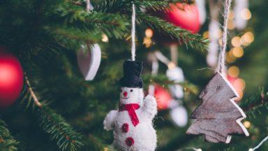 Julens tallrikar, julkassar och julkorgar